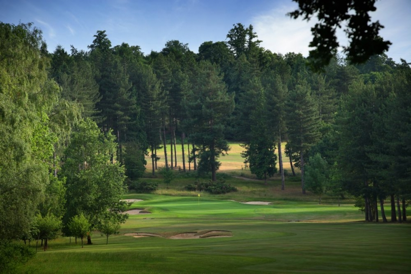 The tree lined golf course known as Bearwood Lakes.