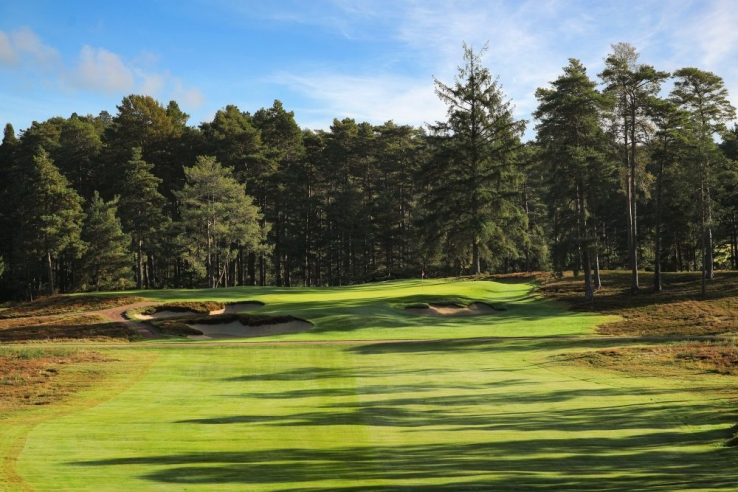 The 11th Hole at The Berkshire Golf Club Red.