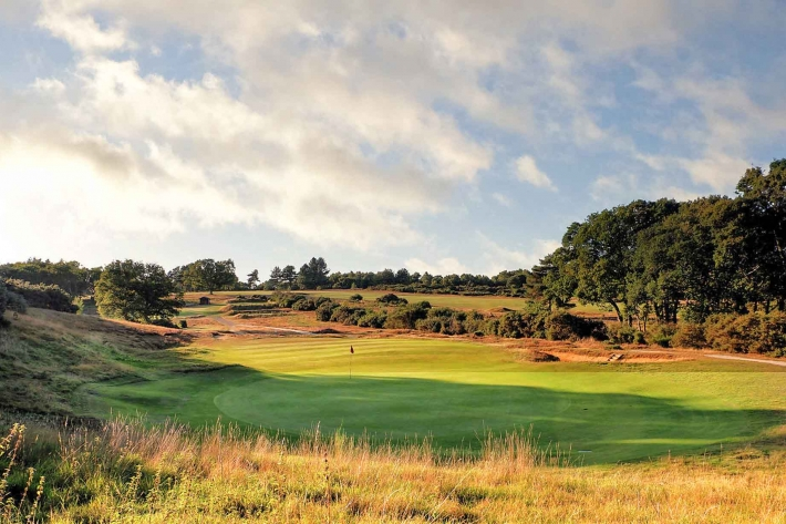 The 15th hole at Woodbridge Golf Club. A rare hidden gem in our Suffolk Travel Guide.
