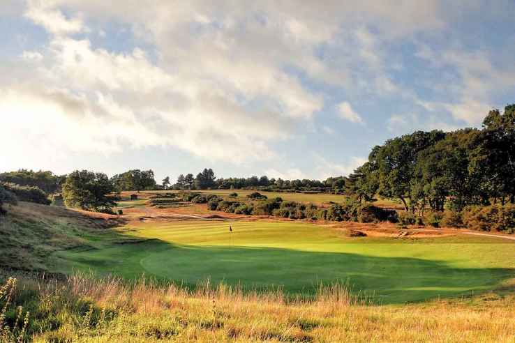 The 15th hole at Woodbridge Golf Club. A rare hidden gem in our Suffolk Travel Guide.