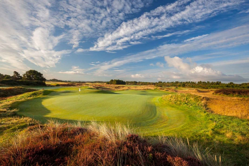 A green complex at Glasgow Golf Club.