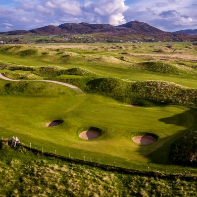 An aerial photo of the Ballyliffin Golf Club Glashedy Golf Course.