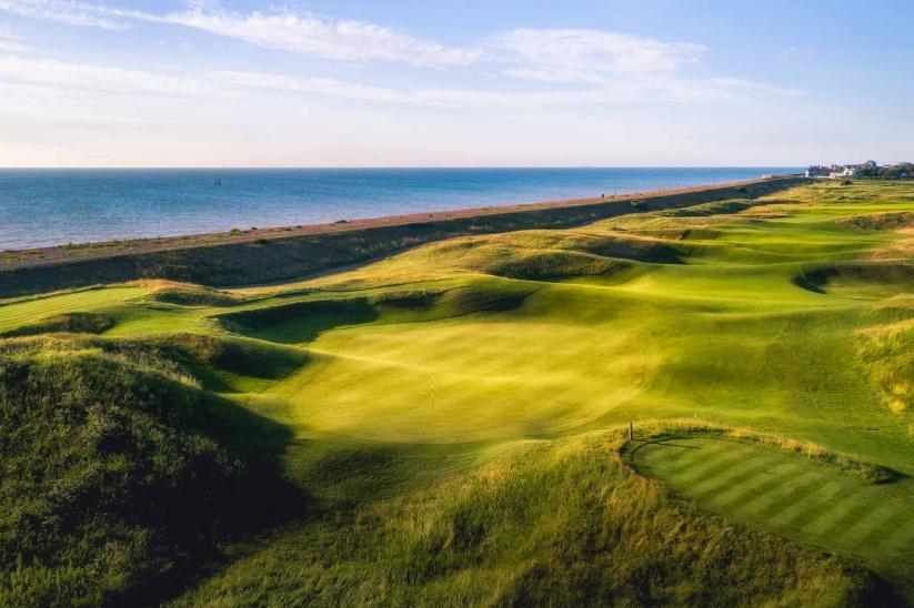 The punchbowl green at Royal Cinque Ports Golf Club.