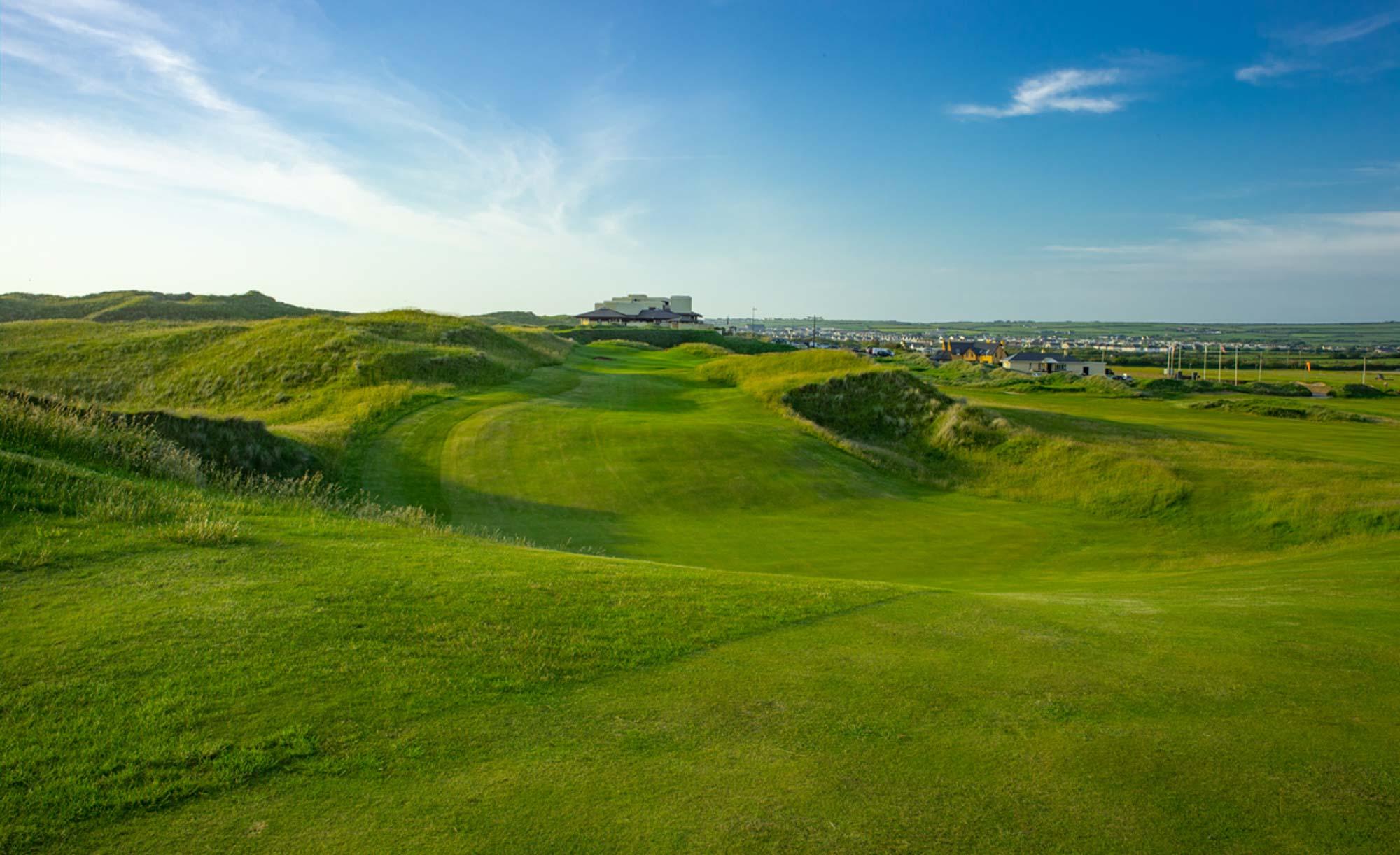 A photo of the Ballybunion Cashen links golf course.