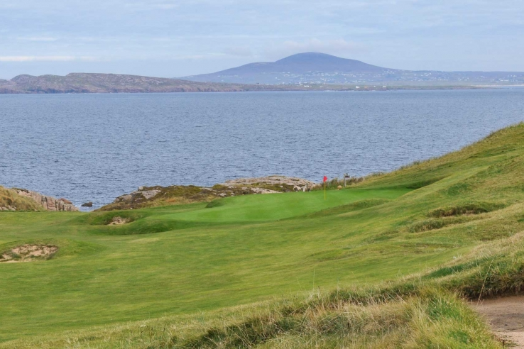 The approach to the 5th at Cruit.