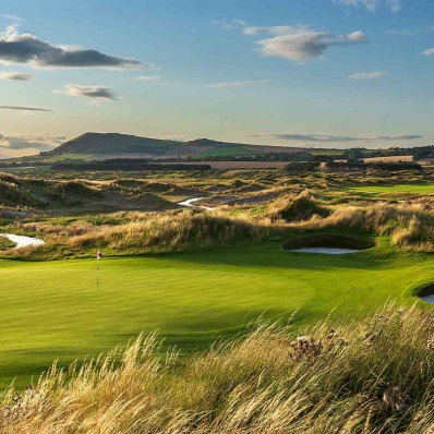 A green and fescue grasses at Dumbarnie Golf Links.