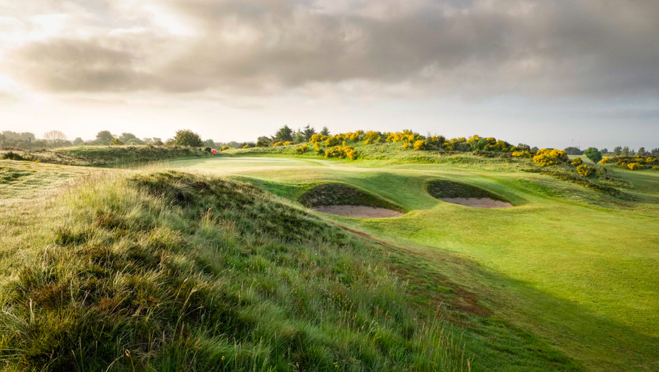 The Specs green with bunkers at Irvine Golf Club.