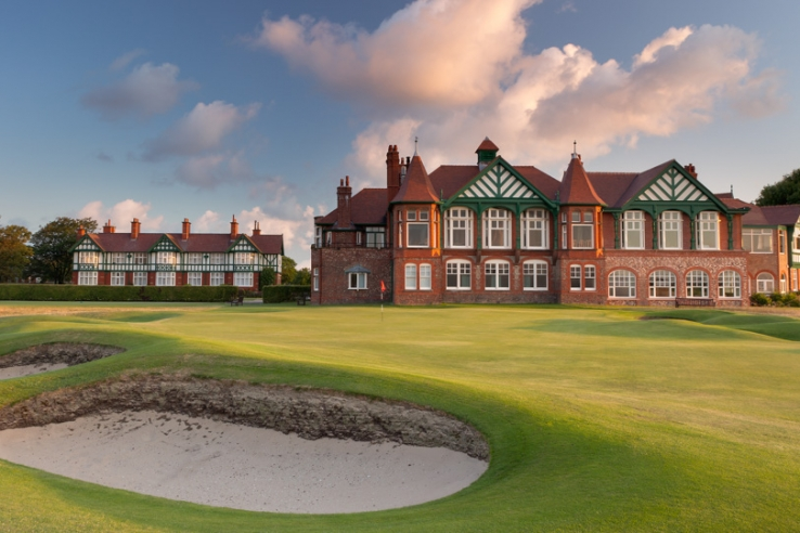 The 18th hole, Clubhouse and Dormy House at RL&SAGC.