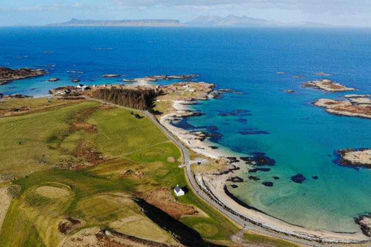 A drone photograph of Traigh Golf Course.