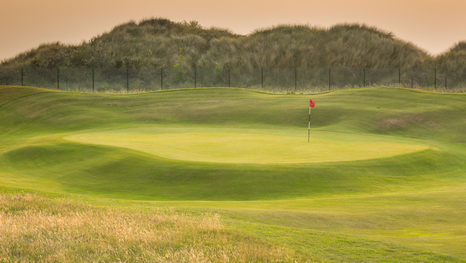 A plateau green at West Lancashire Golf Club.