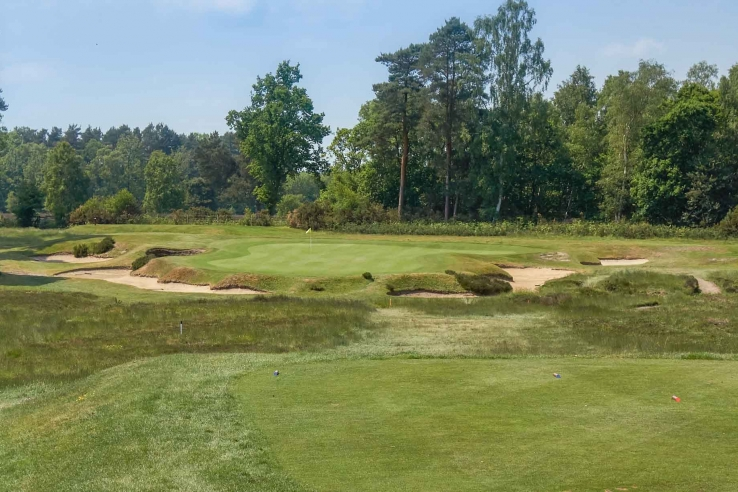 The clever Willie Park bunkering at Worplesdon Golf Club.