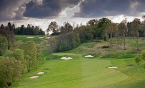 A hole traditionally presented at Tandridge Golf Club which features in the London Gatwick Airport Guide LGW.