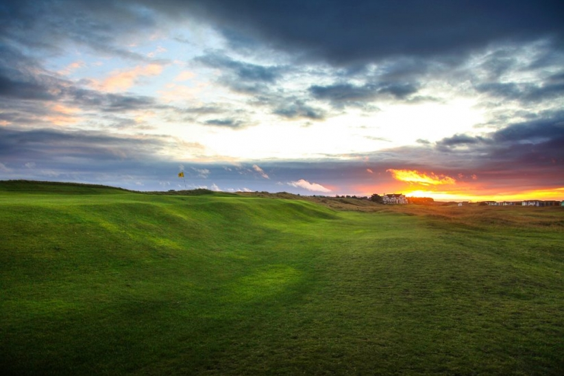 The tiered green and ridge at Hunstanton Golf Club.