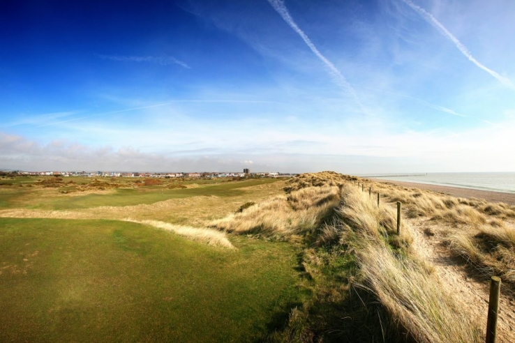 The 3rd hole on the beach at Littlehampton Golf Club.