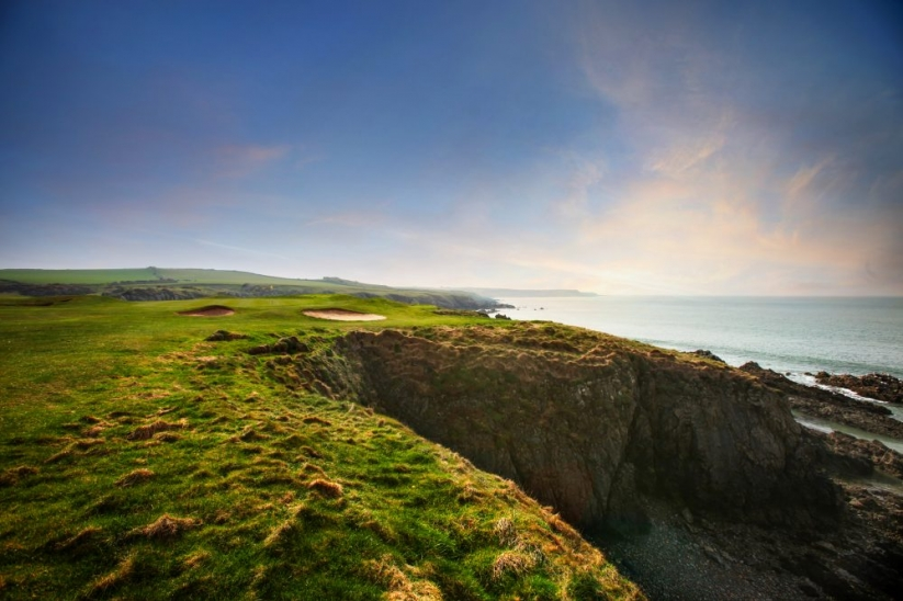 The sheer drops from The Point Nine at Nefyn & District Golf Club.
