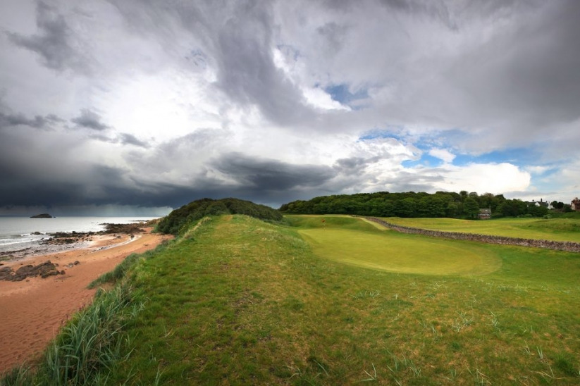 The iconic template holes at the West Links.
