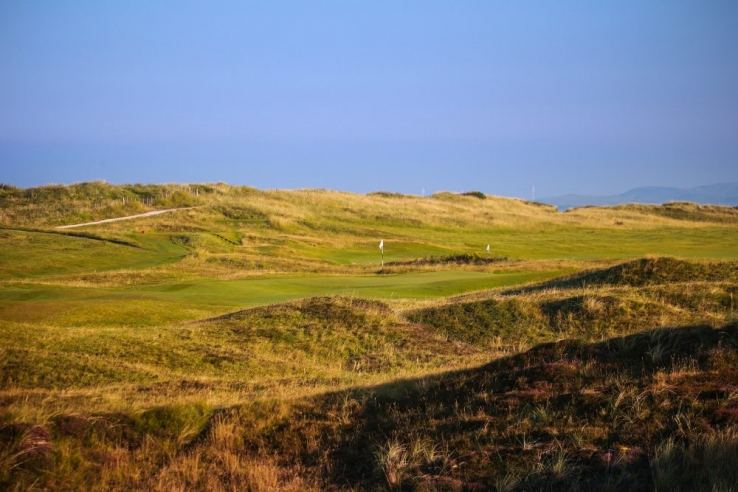 The dunes on the 4th hole at Prestwick Golf Club.