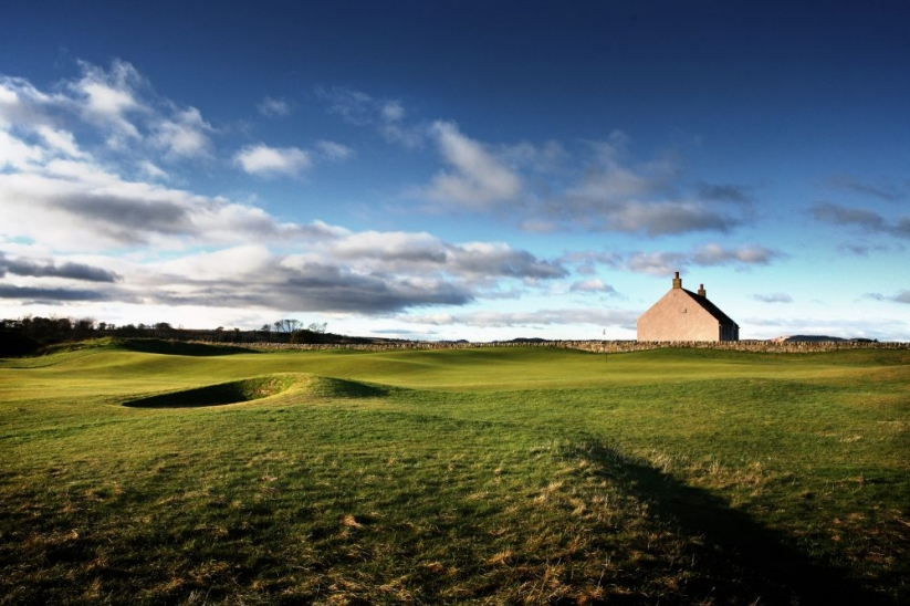 The 1st hole green site at St Andrews Eden Course.