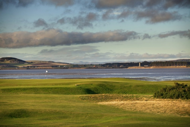 The 4th hole at Harry Colt's St Andrews Eden Course.