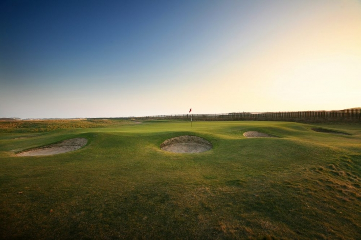 The pot bunkers are prolific at ST ANNES OLD LINKS GOLF CLUB as seen here.
