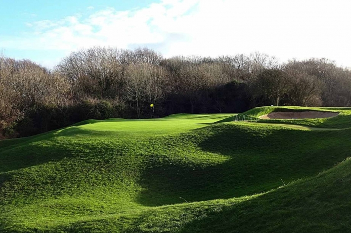 A green complex at Broadway Golf Club in Worcestshire, England.