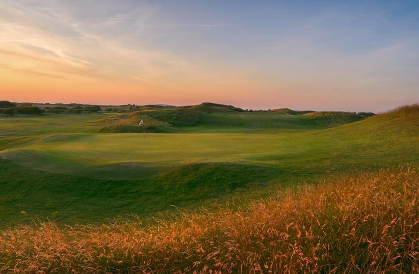 Hole 9 at the Burnham & Berrow Golf Club - Channel Course.