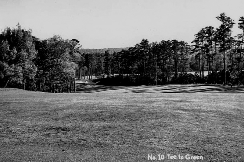 A view down the fairway of the Tenth hole at Augusta National Golf Club from 1948. Part of Evalu18's article Alister MacKenzie Augusta Cavendish.