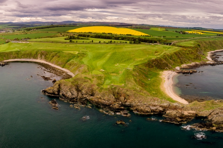 A drone photo of Stonehaven Golf Club.